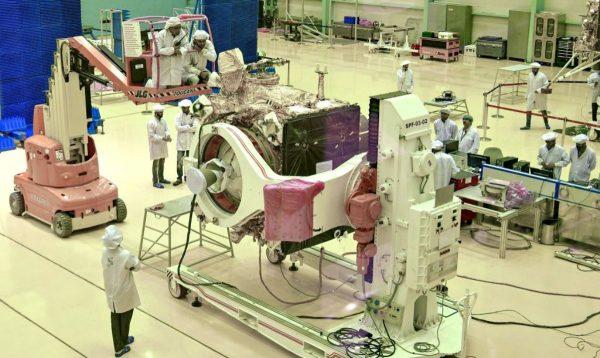 印度登月火箭发射前突中止 原因曝光