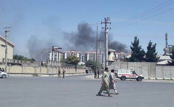 喀布尔军政要地遭攻击 至少65人受伤