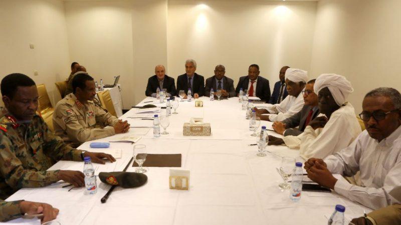 还权于民 苏丹抗议领袖与军政府重启谈判