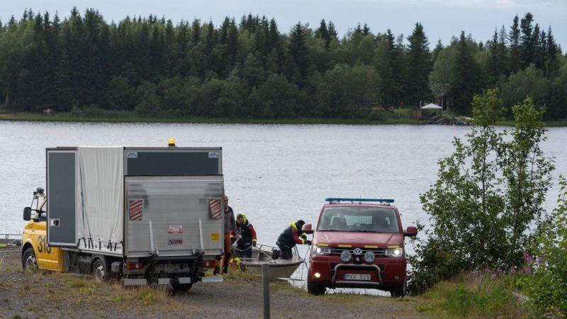 瑞典小飞机垂直螺旋坠地 机上9人全罹难(视频)