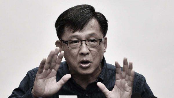 港议员何君尧为黑帮打气被拍下 学界迅速切割