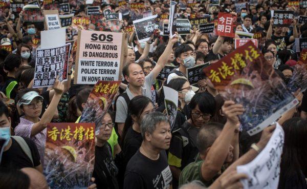 九龙大游行成抗争转折 发动罢工或是未来方向