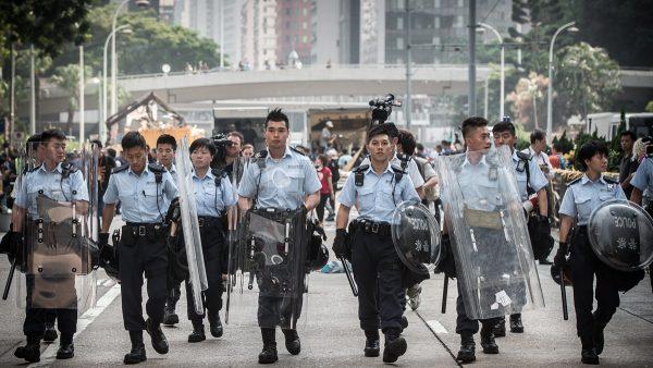 香港局势告急 16万粤警重装大练兵引猜测