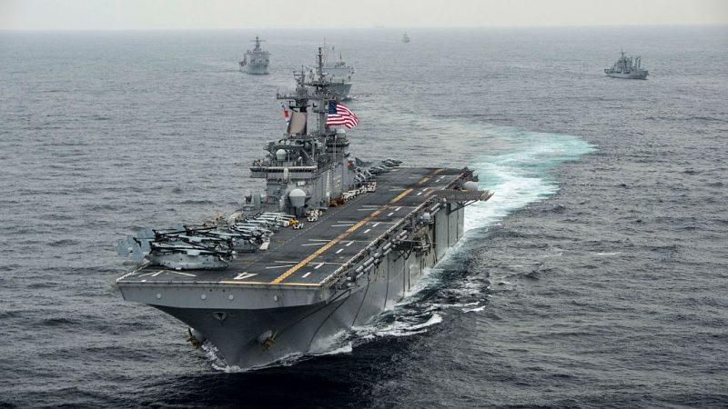 紧逼美国军舰 伊朗无人机遭击落