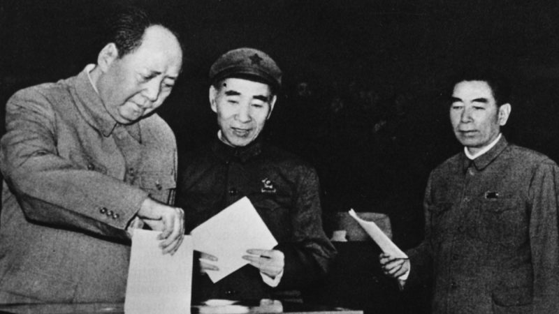 毛泽东大讲死人价值:死一半中国人做肥料