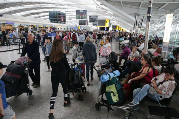 伦敦希斯罗机场暑假大罢工 赴英旅游避开这些时段