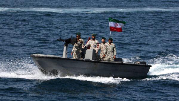 波斯湾危机再升温 伊朗扣押2艘英油轮