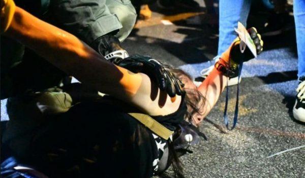 港警滥用暴力趋失控 美众院外委会主席发声怒斥