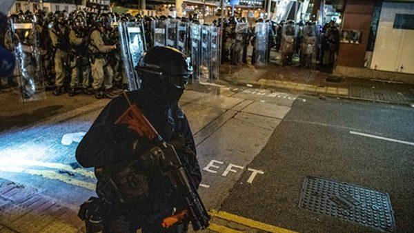 六四重演?网民拍到中共军人进入香港