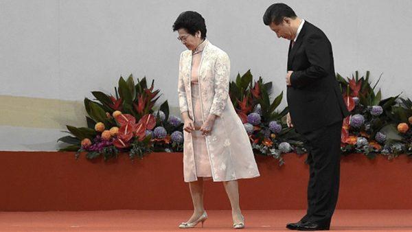 法媒:林鄭月娥欲下不下 習近平騎虎難下