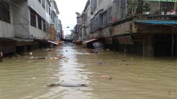 湘江决堤 数百乡镇被淹 河上浮尸