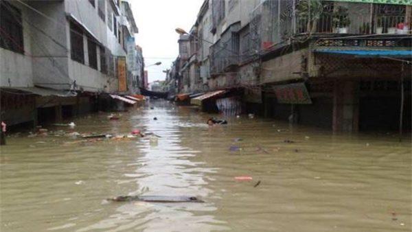 湘江决堤 数百乡镇被淹 河上现浮尸