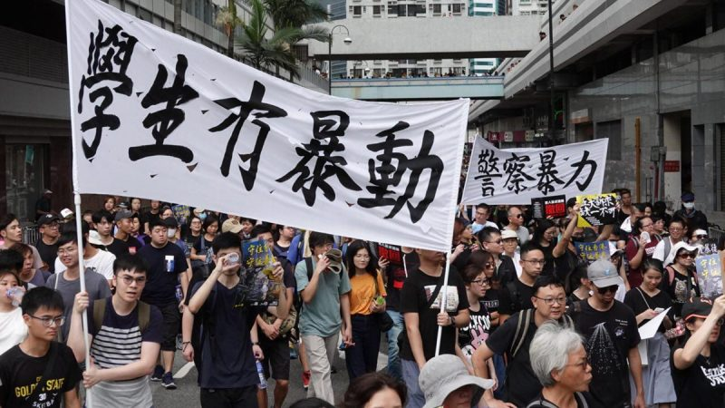 香港老人反送中:我哪懂政治?政治找上门