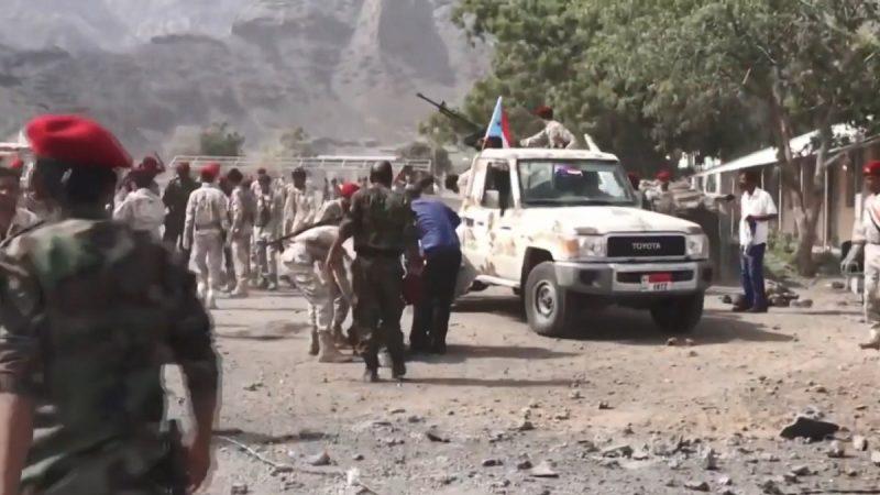 也门亚丁港遭攻击 警局军营同受创酿数十死伤