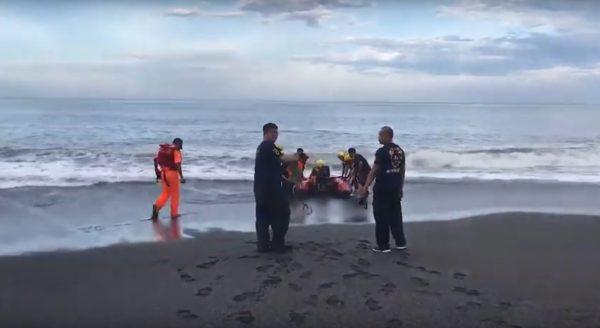 桃园国中生遭大浪吞噬 8人被救1失踪