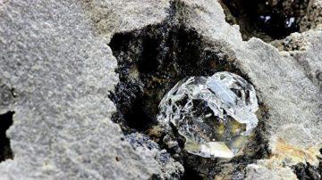 鑽石內氣泡首次證實地下存在原生態封存區