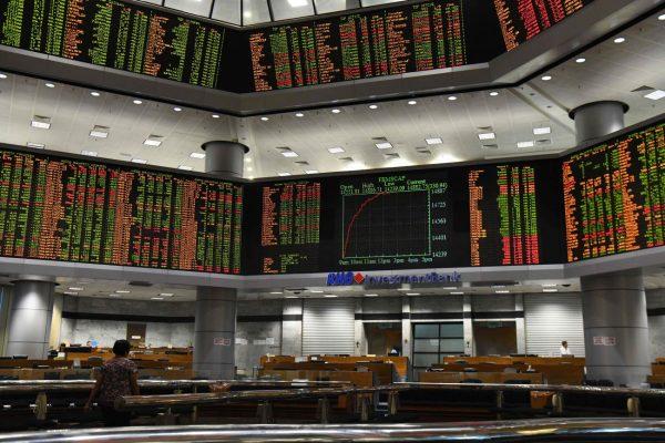 贸易战升级刺激避险需求 亚股重挫金价飙升