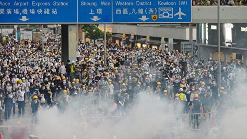 港澳辦暗示暫不出兵?美中新冷戰微妙影響香港時局
