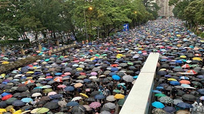 【睿眼看世界】冲破恐惧 逾百万港人再上街 港人在创造历史 香港必将改变中国
