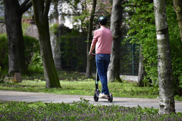 研究报告:电动滑板车并非那么环保