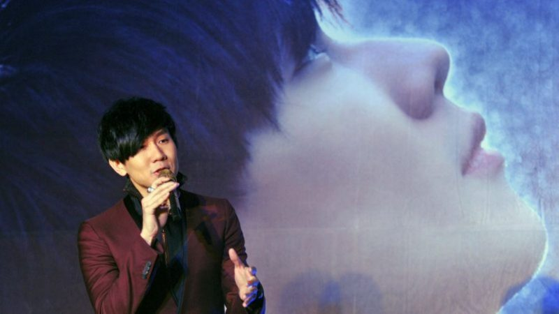 林俊杰三万人前谈感情 凭歌寄意诉心声