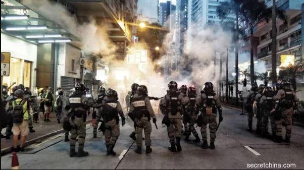 【世界的十字路口】川普对香港连发警告 急约习近平会面 中共即将镇压?