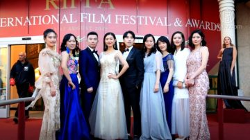 《过年》入围电影节最佳短片 新世纪演员亮相