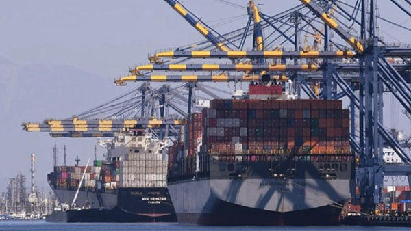 中共商務部長:貿易戰令中企陷入困境