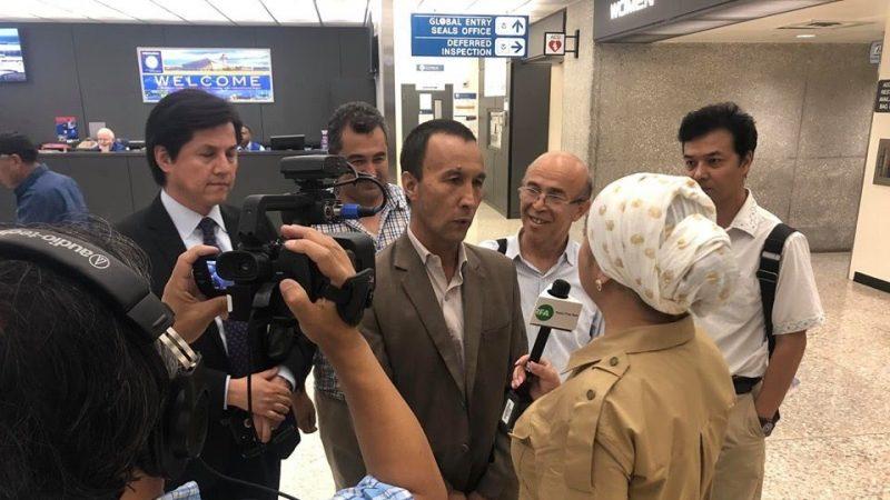 維吾爾人困卡達機場 透過社群媒體求救獲准入美