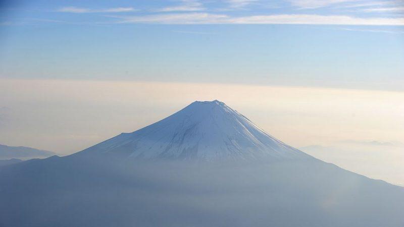 富士山攻頂 日女遭落石砸中喪命