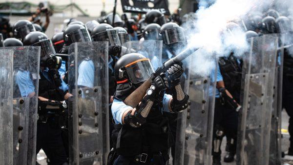 """香港警嫂发起""""警察亲属连线""""争取独立调查"""