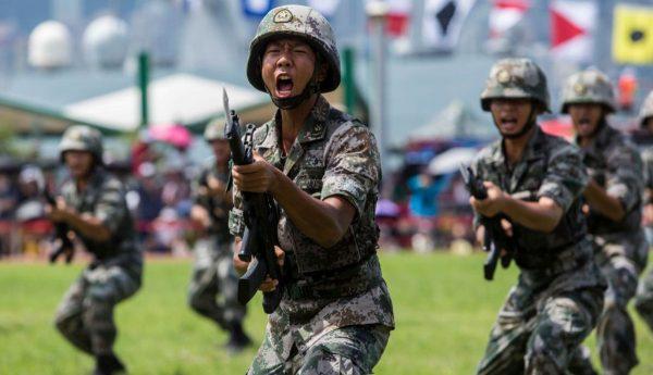 出兵香港? 法媒:中共派军队介入是自杀核弹
