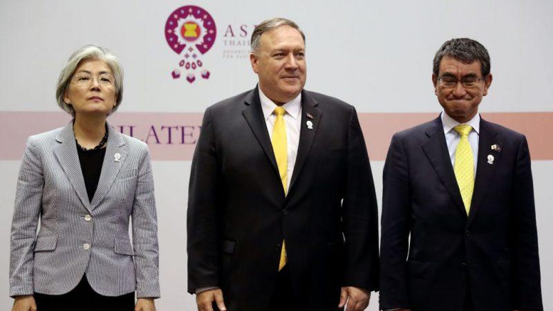 """日韩互删贸易""""白名单"""" 两国陷55年来外交困局"""