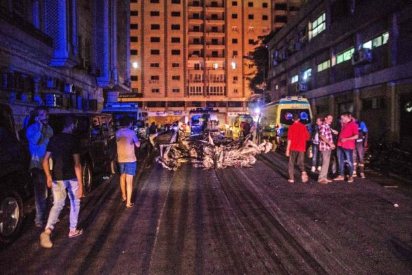 开罗汽车爆炸67死伤 埃及:原开往他地施恐袭