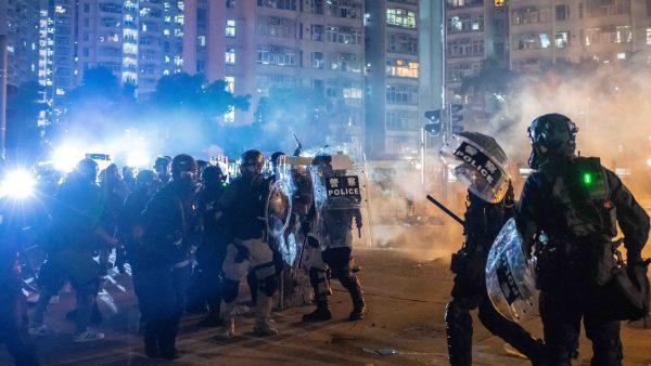 不止肚皮發暗號?香港議員又找到「外國勢力」