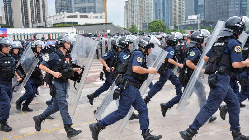 王沪宁等不及了?党媒促习对香港赶快动手