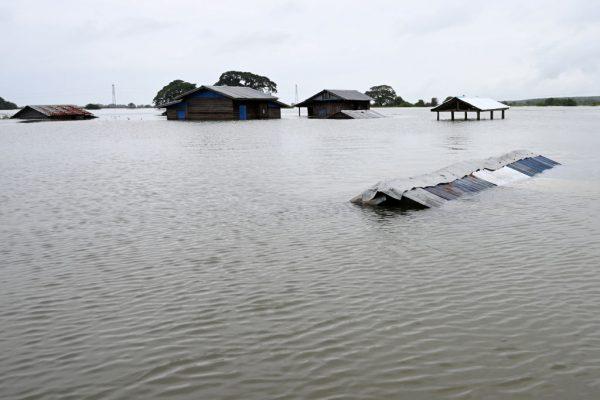 雨季暴雨 缅甸河川溃堤土石流酿13死