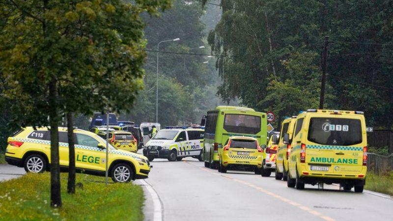 闯挪威清真寺 一白人枪手开枪扫射