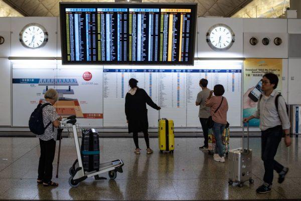 约90航班取消 香港机场大致恢复正常