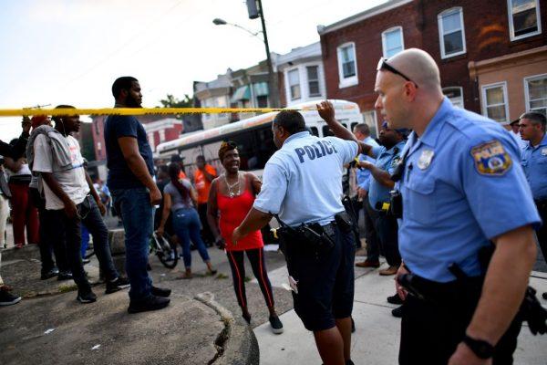像战争一样 费城缉毒爆枪战 至少6警受伤