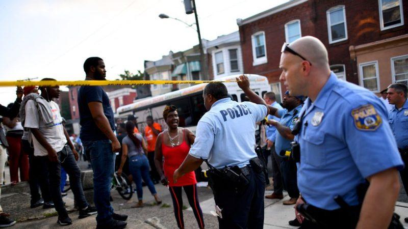 像戰爭一樣 費城緝毒爆槍戰 至少6警受傷