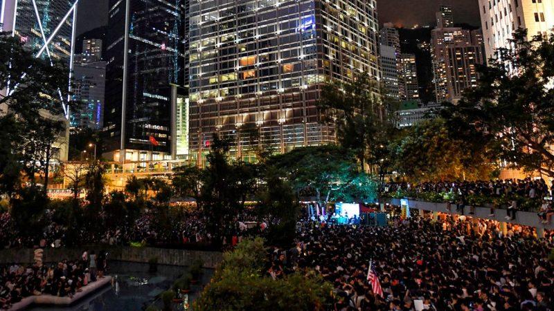 6萬人集會逼爆遮打花園  港人震撼展示寧為玉碎決心