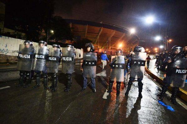 洪都拉斯球場足球迷爆衝突 釀3死至少10傷