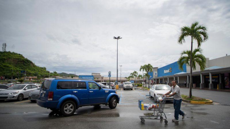 飓风多利安续增强 佛州进入紧急状态 居民备粮