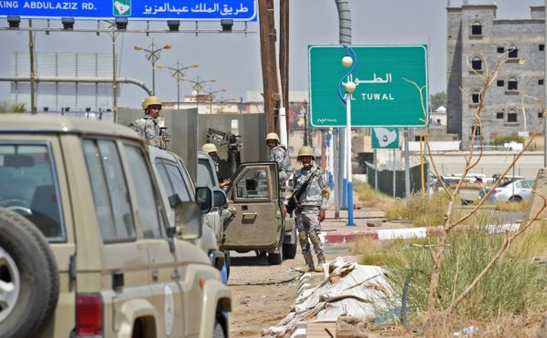 也門叛軍鎖定吉贊攻擊 沙特攔截6枚飛彈