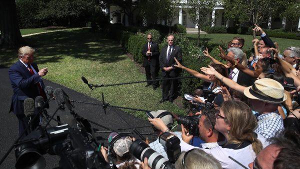 川普揭媒體歪報「天選之人」 批假新聞不可信