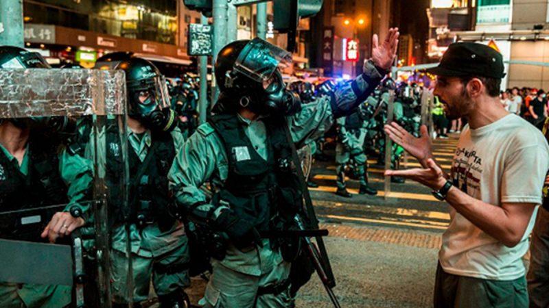 組圖:香港83旺角大遊行 警察反被市民包圍(視頻)