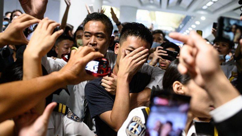 香港抓「中共臥底」 港警搶人一片混戰(組圖)