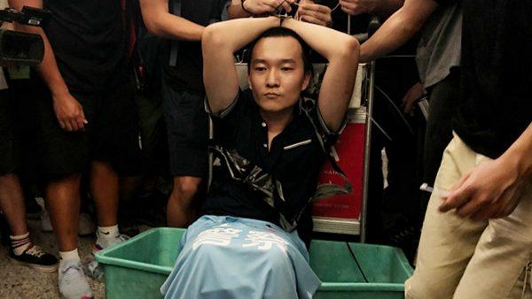 香港怒打中共臥底內幕:有示威者手筋、腳筋被挑斷(視頻)