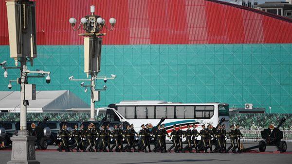东风导弹怕菜刀?十一阅兵北京刀具全下架
